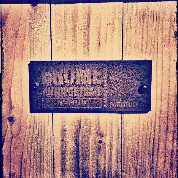 art_brume_autoportrait_back-box-steel-slab_600x600